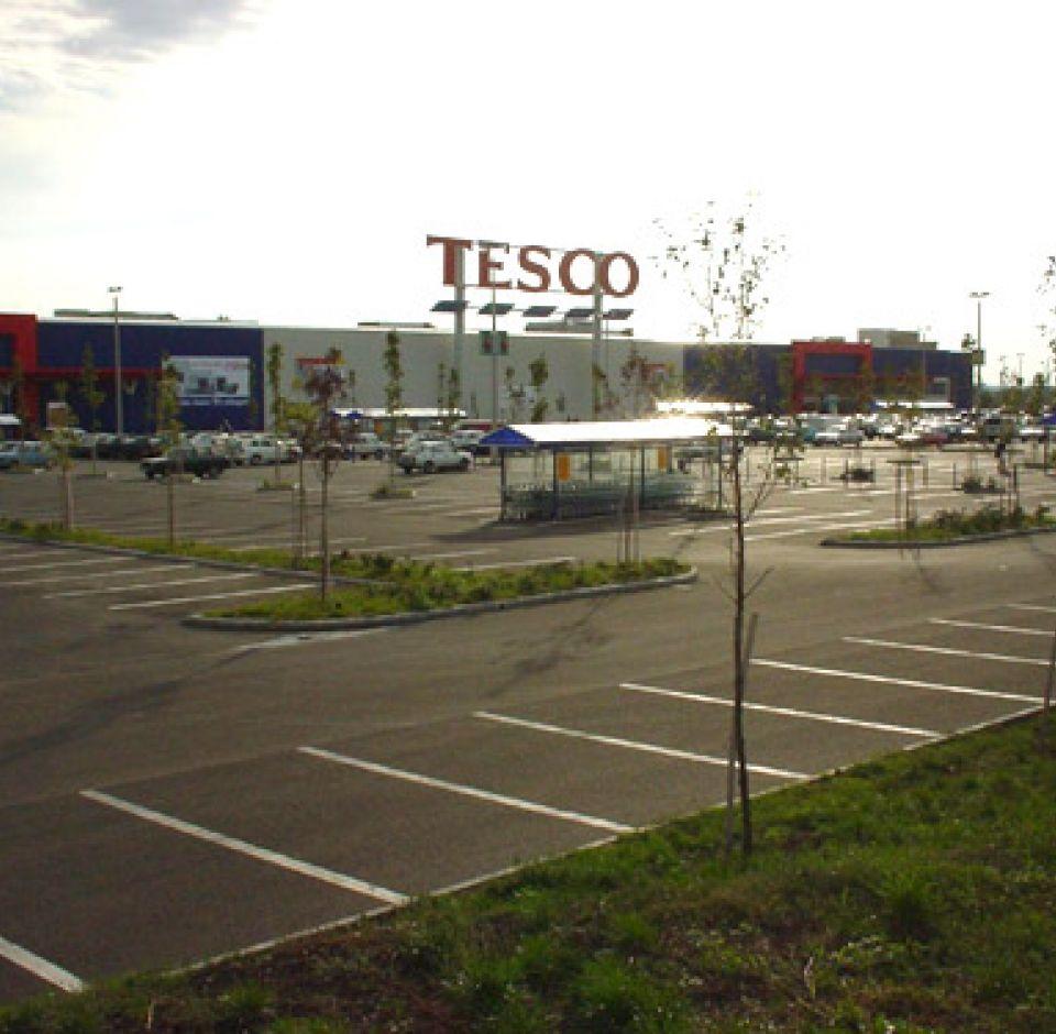 2000. - Pécs, TESCO Áruház közműépítési munkálatai